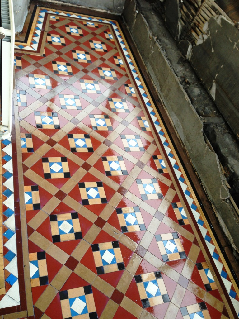Victorian Hallway Tiles Cleaned and Sealed in Glasgow